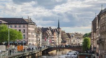 Combien de touristes viennent en Alsace par an ?